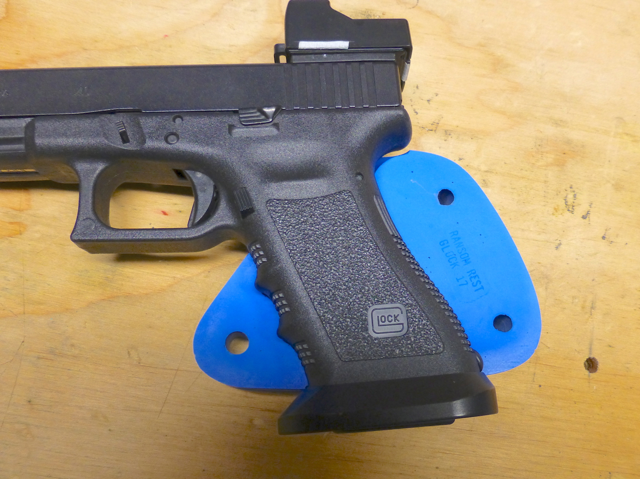 Name:  G35 with right grip insert.jpg