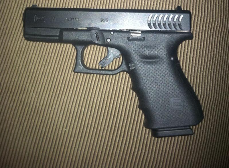 Name:  RTF2 Glock 19.jpg Views: 14075 Size:  90.0 KB